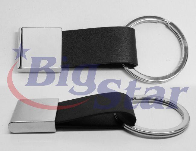 Chaveiro de metal e couro sintético BIG 2217