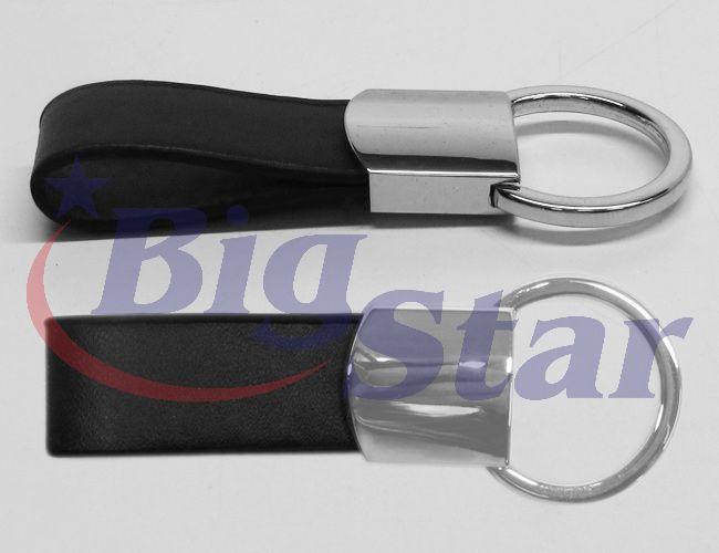 Chaveiro de metal e couro sintético BIG 2220